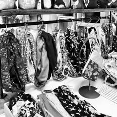 Réassort Headbands, Scrunchies, Snoods, Pochettes...pour le @knowitallmarketplace4 à GENÈVE . Ouvert tous les jours non stop jusqu' au 24 décembre. #merrychristmas #geneve #planetecharmilles #boutiquedecreateurs #boutiqueephemere #boutiquedenoel #cadeauxartisanaux #faitmain