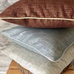 Nouvelles Couleurs dispos! #coussin #pillow #decoretonsalon #homesweethome #decoration #decorationinterieur #deco #thononlesbains #surmesure #artisanal #creation
