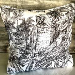 Trop longtemps sans créer de la déco, des coussins... mais les beaux jours arrivent, ça donne envie de tout renouveler chez soi non? #deco #decorationinterieur #decoration #homesweethome #home #coussin #pillow #creationartisanale